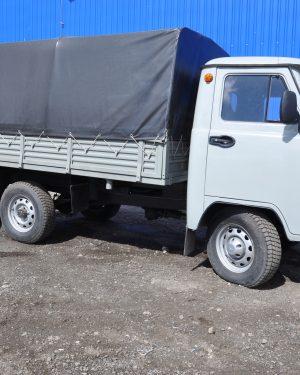 Самосвал УАЗ 3303